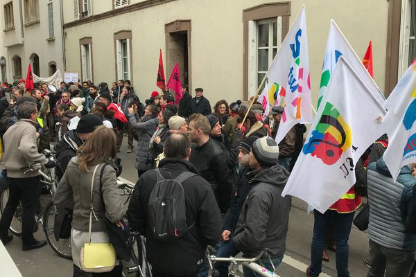 Ce mardi matin, devant le rectorat de Strasbourg.
