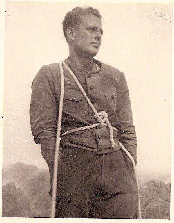 Giorgio Graffer lors d'une session d'alpinisme avant la Seconde Guerre Mondiale.