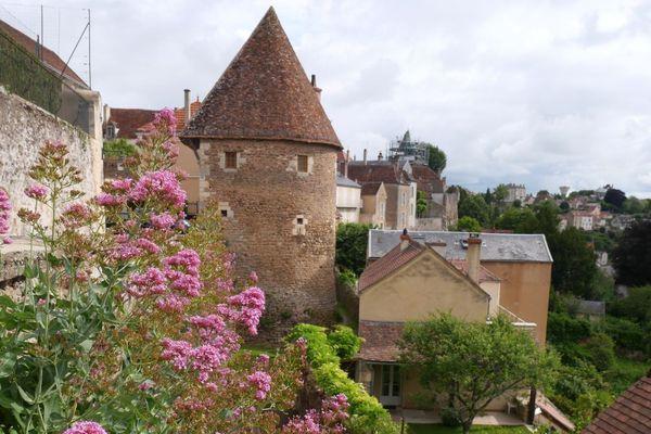 Les remparts d'Avallon, dans l'Yonne.