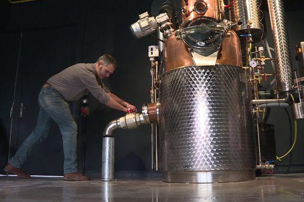 Il fallait y penser ! un distillateur et un charcutier ont imaginé un alcool à base de rillettes