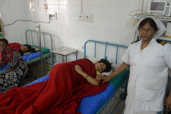 Un nouveau puissant séisme secoue le Népal. Photo prise ce mardi dans un hôpital de Silliguri. Le séisme, d'une magnitude de 7,3 survenu à 12H35 locales s'est produit à 76 km à l'est de Katmandou.