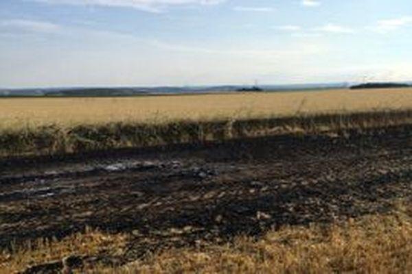 C'est dans ce champ de Le Fay-Saint-Quentin dans l'Oise qu'un véhicule  qui pourrait être l'un de ceux utilisés par Redoine Faïd a été utilisé.