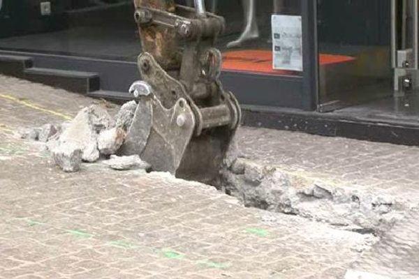 Le chantier va commencer par le remplacement des canalisation d'eau et de gaz.
