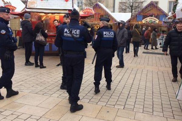 Nancy : surveillance renforcée sur les marchés de Saint-Nicolas au lendemain de l'attentat à Strasbourg, mercredi 12 décembre 2018.