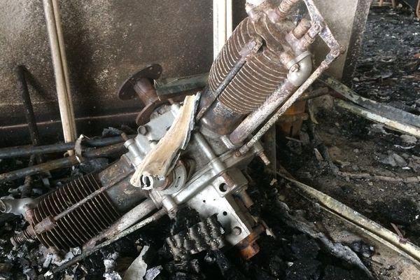 Cinq avions brûlés dans l'incendie dans un hangar à Bouguenais près de Nantes, juin 2019