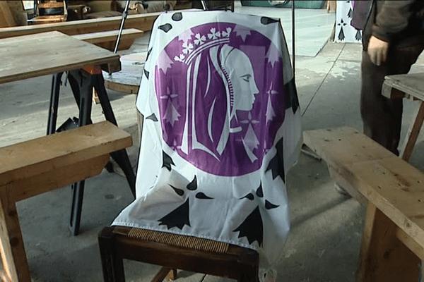 Une chaise est laissée libre pour Anne de Bretagne
