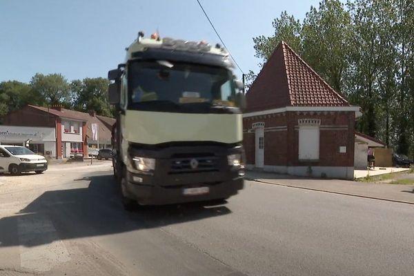 À Renescure, les camions vont à nouveau circuler mais uniquement dans un sens