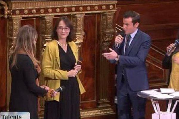 """La nancéienne Agathe Lambert, lauréate nationale du prix """"Talents des Cités"""", en compagnie de Delphine Ernotte, Présidente du Groupe France Télévisions."""