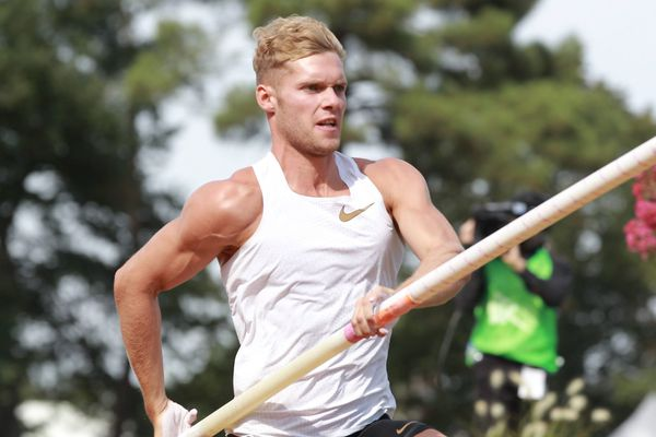 Le recordman du monde de décathlon, Kévin Mayer, s'est bloqué le dos après une chute à l'entraînement.