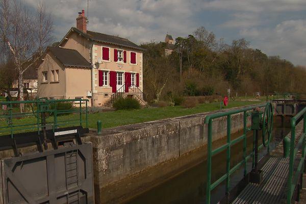 La maison éclusière de Juigné-sur-Sarthe