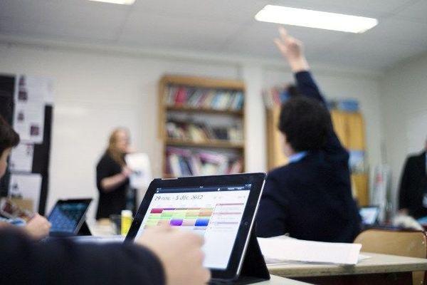 L'Etat veut équiper tous les élèves de 5e d'une tablette numérique.