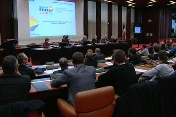 Présentation des dix plans industriels au Conseil régional à Dijon, le 21 février 2014.