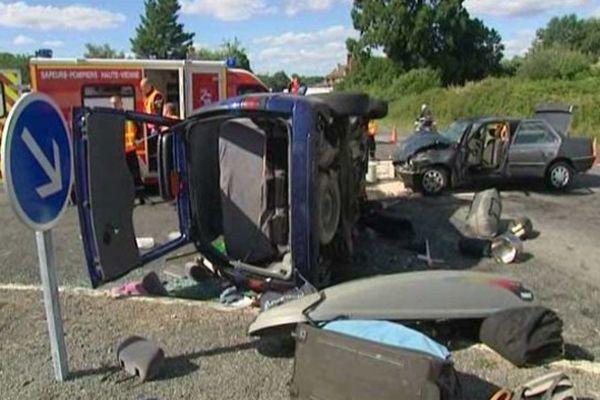 Les deux véhicules impliqués dans l'accident transportaient 11 personnes.