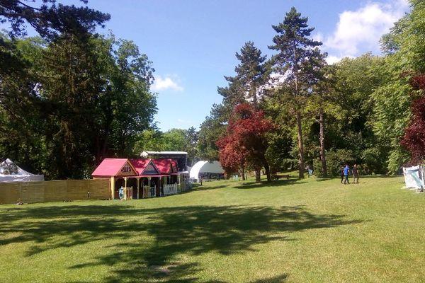 Le parc de Champagne accueille tous les ans le festival rémois de la Magnifique Society.