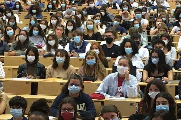 Des étudiants de la faculté de médecine de Poitiers/ photo d'illustration.