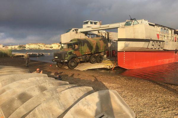 Valras-Plage - Les militaires s'entraînent à débarquer sur une plage - 01.06.21