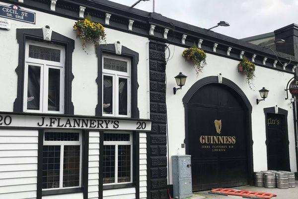 Le Jerry Flannery's pub, du nom de cet ancien joueur qui a joué avec l'équipe d'Irlande de 2005 à 2012,