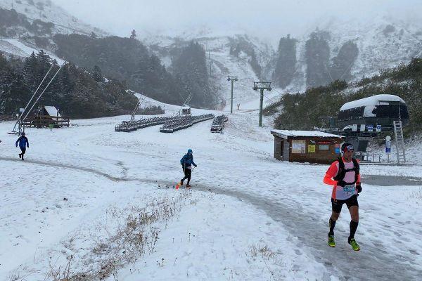 Malgré la neige, les participants au trail du Sancy ont pu profiter de l'un des seuls trails maintenus.