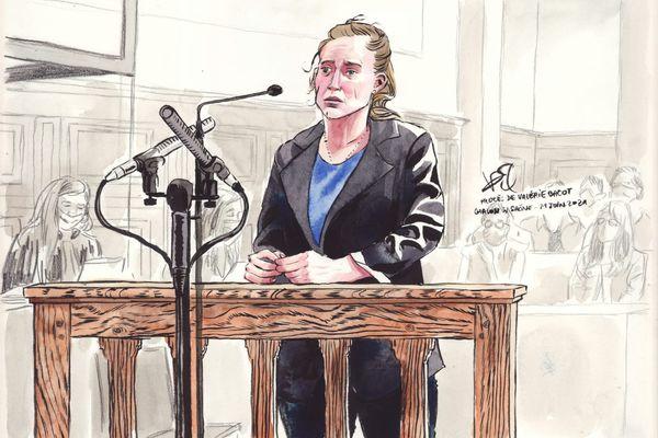 Valérie Bacot répond aux questions lors de son procès