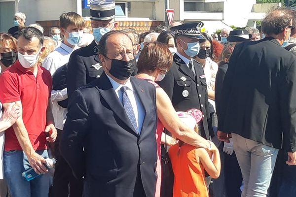 François Hollande présent aux cérémonies en hommage aux martyrs de Tulle. Pas de prise de parole pour l'ancien président et ex-maire de Tulle ce mercredi 9 juin 2021.