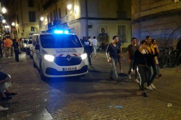 Piéton percuté par un fourgon de la police municipale à Montpellier : la rue de l'Université vendredi 21 juin 2019, quelques instants après l'incident