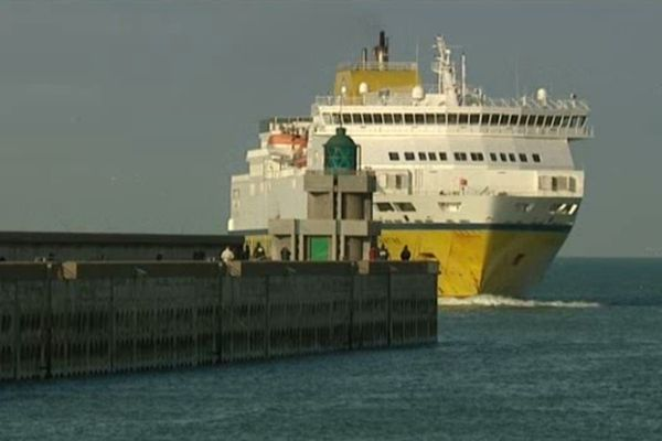 le car ferry Dieppe-Newhaven
