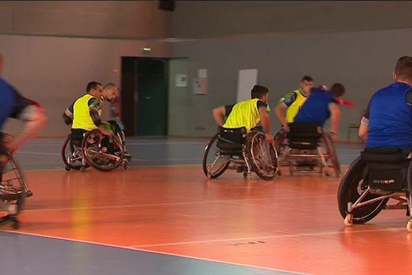 La coupe du monde rugby à XIII fauteuil a démarré jeudi. Elle se tient jusqu'à vendredi en Occitanie.