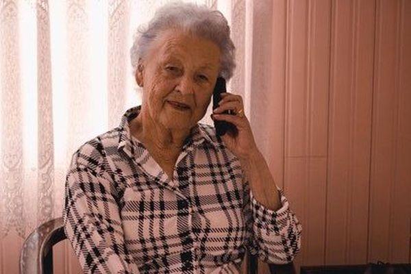 """""""Un coup de téléphone quotidien, pour des gens qui vivent seuls, ça ne paraît rien mais c'est essentiel"""""""