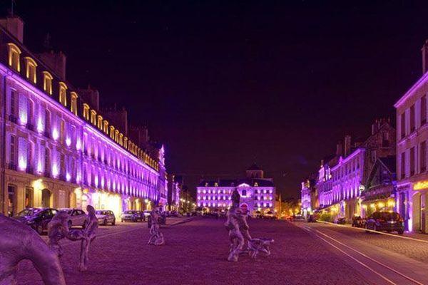 La place Saint-Sauveur se met aux couleurs de la Rochambelle ce samedi
