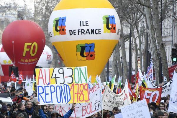 Manifestation contre le recours au 49-3 concernant la réforme des retraites