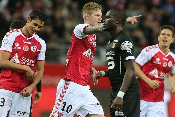 Gaétan Charbonnier et le stade de Reims débuteront la saison par un déplacement à Bordeaux.