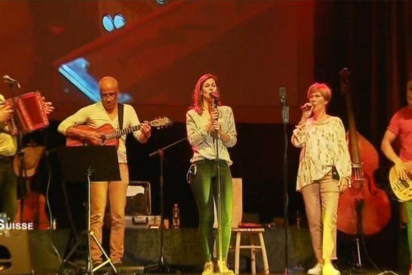 La famille Oesch sur scène