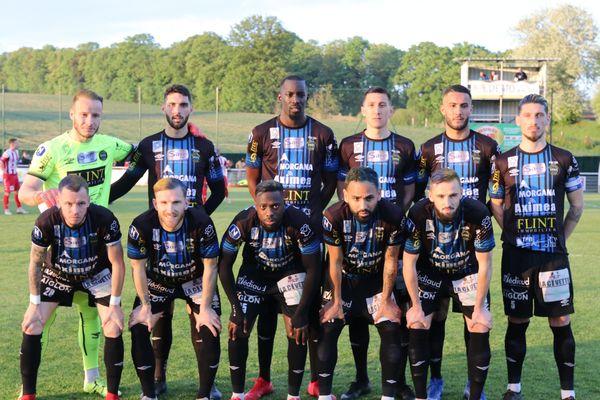 L'effectif du FCCO avant le match contre Dunkerque, le 9 mai 2019.