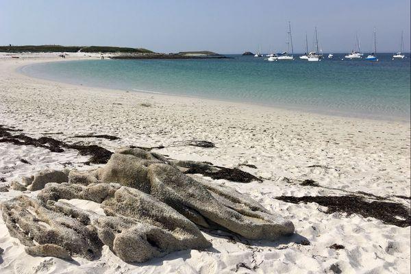Sur une plage des Glenan (29) en juin 2019