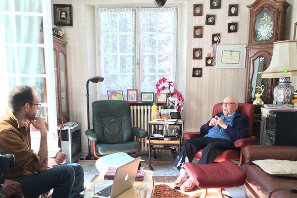 Joseph Nonnenmacher, 94 ans, livre le récit de sa vie dans les camps de concentration au vidéaste Adrien Gates.