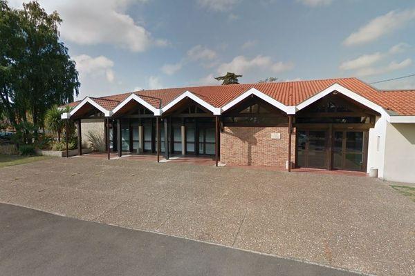 La salle Amelie Charrière, à Dax, sert actuellement de centre de vaccination contre le Covid-19.