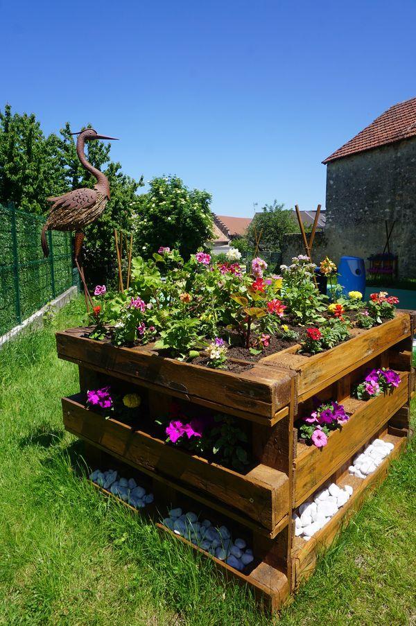 L'aigrette, symbole du village, dédie son nom au jardin du village.
