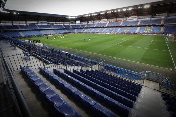 La pelouse du stade Bonal - FC Sochaux Montbéliard