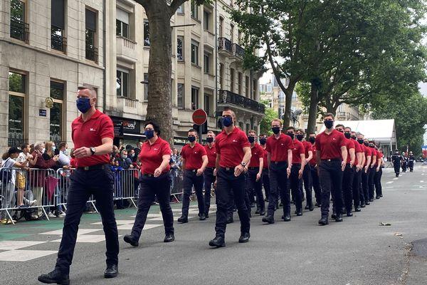 Le défilé militaire a commencé à 11h17 à Lille.