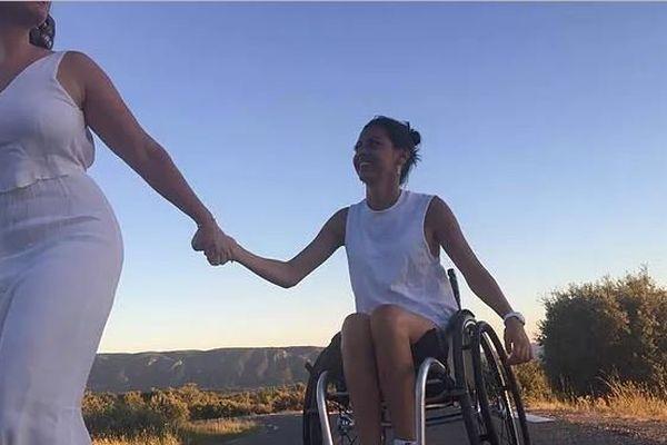 Nathalie Filice, tétraplégique à la suite d'un accident de la route se prépare pour un voyage de 7 mois en Océanie pour réaliser un guide de voyage pour personnes à mobilité réduite