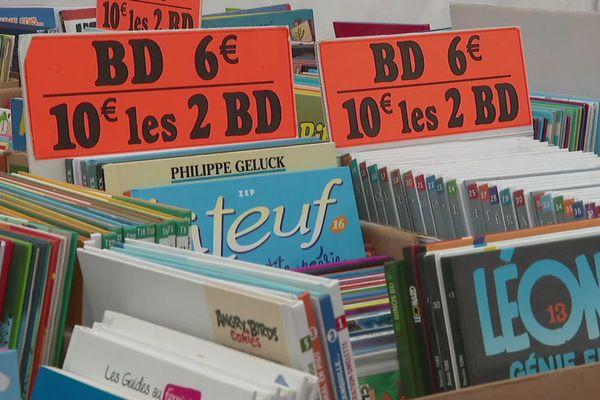 Chiner la pépite dans les vastes rayons d'occasions du Festival de BD à Chambéry