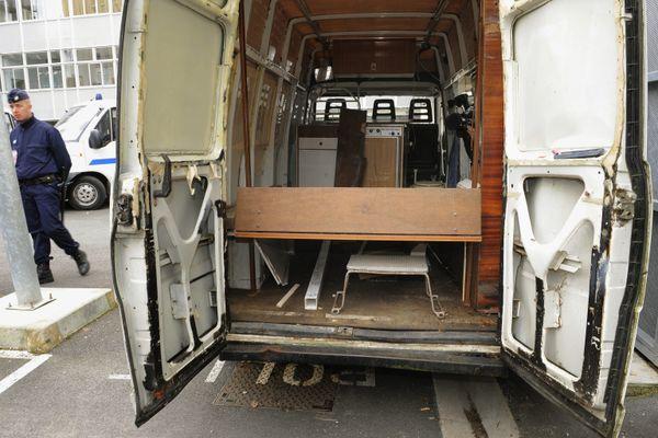 La camionnette de Michel Fourniret photographée lors d'une reconstitution en 2008.