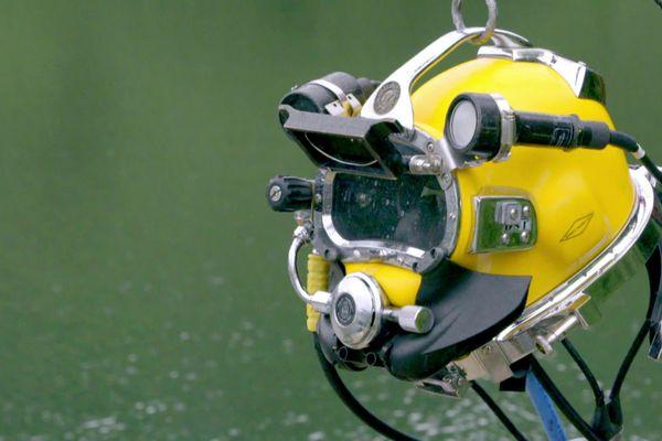 Le casque est le symbole fort des plongeurs scaphandriers.
