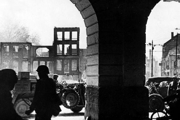 Maubeuge bombardée puis occupée par les Allemands en mai 1940.