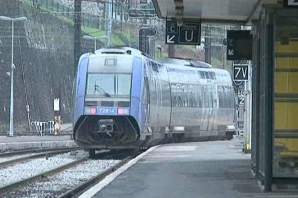 """Train sur la ligne """"POLT"""" (illustration)"""