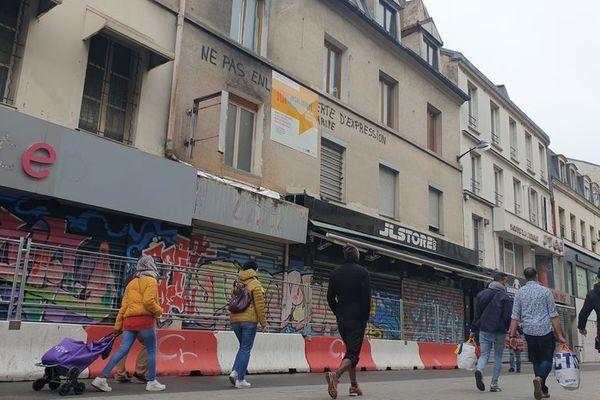 Le 48 rue de la République à Saint-Denis (Seine-Saint-Denis), le 11 novembre 2020