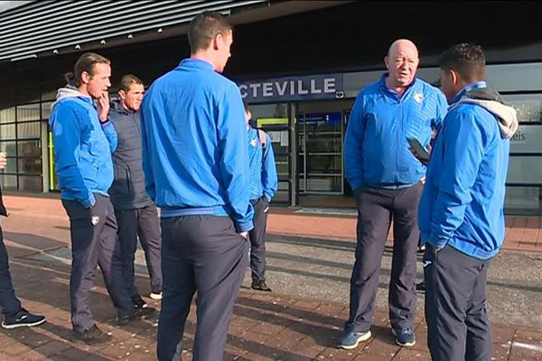 L'équipe du HAC à l'aéroport du Havre-Octeville
