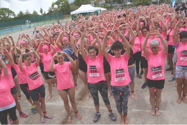8 ème édition du Triathlon des Roses à Toulouse pour le recherche contre le cancer du sein. Départ ce dimanche 26 septembre à 15h aux Argoulets.