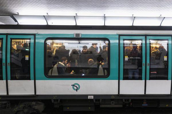 L'agression a eu lieu mardi vers 14h30 au niveau de la station Ranelagh dans le 16e arrondissement de Paris.
