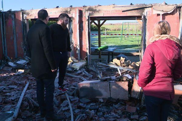 La maison d'une famille de La Belliole, dans l'Yonne, a été totalement détruite dans un incendie.